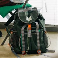 패리티 백팩 등산 여행용 노트북수납 카키그레이
